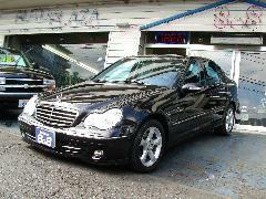 輸入車から国産車まで幅広い車種を取り揃えております。