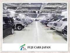 キャンピングカーなどの大型車でもご来店大歓迎です!大型車でも対応可能なお客様駐車場も完備しています★