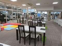 明るい快適なショールームですのでお気軽にご来店ください☆専門に特化したプロがお客様をお迎え致します。