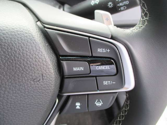 ACC(アダプティブクルーズコントローラー)付き!前走車との適切な車間距離を維持しながら追従走行♪これは本当に便利です!