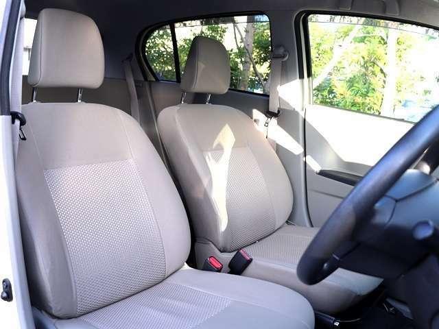 こちらのお車は禁煙車となっておりますので室内空間爽やかでとてもきれいな状態となっております♪灰皿はなく、気持ちよく使っていただけるかと思います!