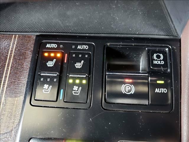 【シートヒーター、クーラー】夏は涼しく冬は暖かい。快適なドライブが楽しめます!