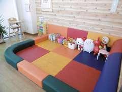 ▼キッズスペースがございますので、小さなお子様連れのお客様でも安心してご来店いただけます♪