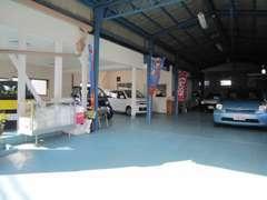 ■屋内展示上完備■当店は寒い時&暑い夏でも全車屋内保管の為車両状態良好です!!