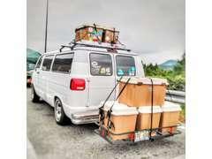スタッフは皆、Hawaiiとcamp好きです☆当店でHawaiianmusicを聴きながら,ゆっくりとお車を検討して頂いたり作業をお待ち下さい♪