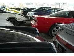 車両販売は北海道はもちろん九州以南もとより世界中に実績があります。全国に協力店あり。自社積載車にて全国搬送も可能です。