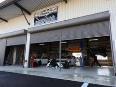 国産車も取り扱っております。軽自動車、セダン、ミニバン等ご相談ください。自社工場にて点検・修理・塗装等行います。