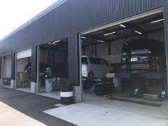 提携工場にて全車点検・整備後納車しております。詳細は上部整備のタブをご覧ください!