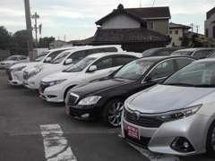 4つの展示場に置いています、お探しのお車があれば事前のご連絡頂ければご用意してお待ちしております。TEL:090-3590-1347