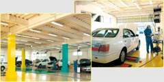 最新設備と確かな技術!プロのスタッフたちの手による点検整備・車検で年間入庫台数は5000台を超えます!