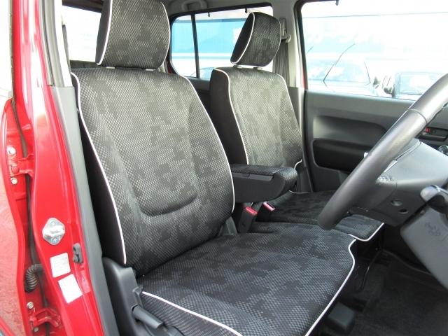 フロントシートは心地よいフィット感と程よいホールド性能を両立させ、今までになく快適にドライブを楽しんでいただけます。