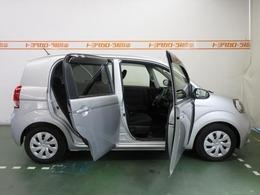 運転席側は、前後の2枚ドアです。