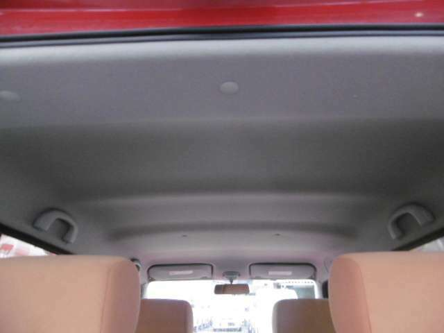汚れの多いルーフやシートは取外して、きれいに洗浄済みです。