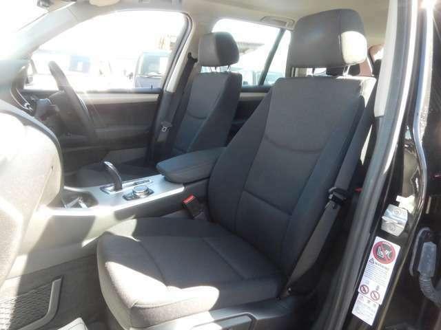 ☆フロント席は運転席、助手席共にパワーシートになります!!☆