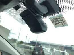 【ドライブレコーダー】トヨタ純正のドライブレコーダー装着済み車両です!最近はお問い合わせの多い装備です!