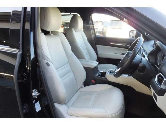 レザーシート(ホワイト系)ドライビングポジションメモリー機能(運転席) 電動パワーシート(運転席、助手席) 【全国対応】ご不明な点など御座いましたらお気軽にお電話下さい。無料通話0066-9711-358442
