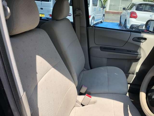 フロントシート・運転席の画像です。