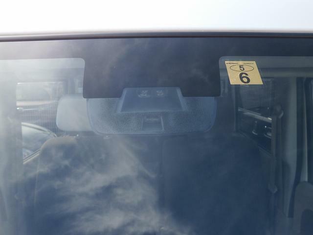 渋滞等の低速走行中、前の車両をレーザーレーダーが検知、衝突を回避できないと判断した場合に、ブレーキが作動する『レーダーブレーキサポート』装備!追突の危険を回避、または衝突の被害を軽減してくれます★