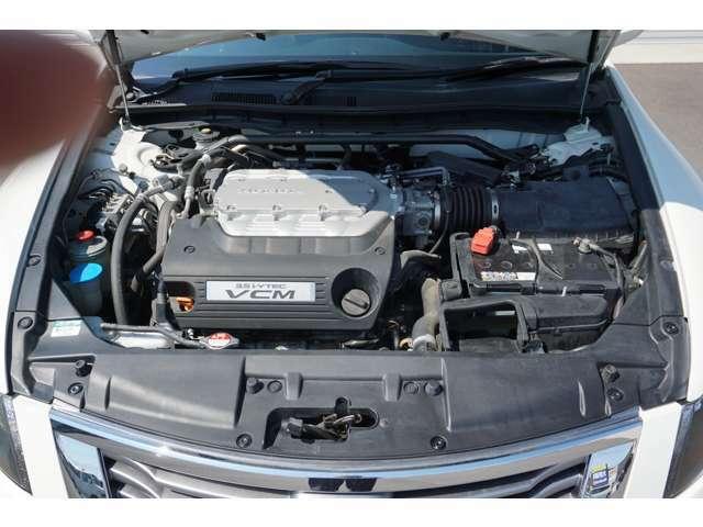 V型3.5リッターエンジンでトルクフルな走りを実現、満足のいくエンジンフィーリングを楽しめます。