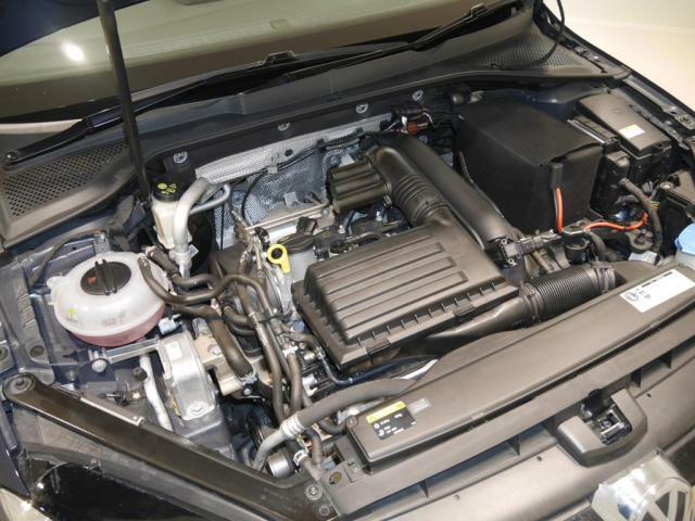 1.2リットルTSIエンジンはターボチャージャー搭載で、低燃費でスポーティーな走りをもたらします。