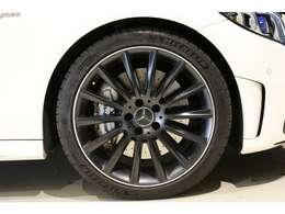 加速性能、ブレーキ性能、乗り心地、デザイン、全てにおいてご満足頂ける乗用車です!!