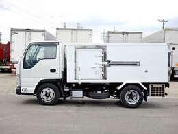 車両総重量4570kg 最大積載量2000kg