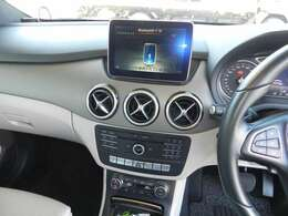 純正ナビ!地デジTV、CD、DVD再生、Bluetoothオーディオ・ハンズフリー機能付き!