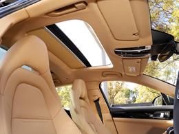 パノラマルーフシステム 開放的で明るい車内、清々しいです。