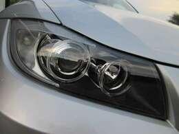 同モデルで多くみられるヘッドライトの劣化もなく、ご覧の通りキレイな状態です!