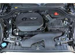 ■出力231ps(カタログ値)■トルク32.6kg(カタログ値)■直列4気筒ターボ■排気量2000cc■エンジンルームも綺麗に磨かれており、エンジン下のオイル漏れも御座いません。■