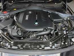 綺麗なエンジンルームです。3000ccターボエンジン☆エンジンは高回転までしっかり吹け上がり、アイドリングも一定となっております。非常に良好です。■走行管理システムもチェック済みとなっております!