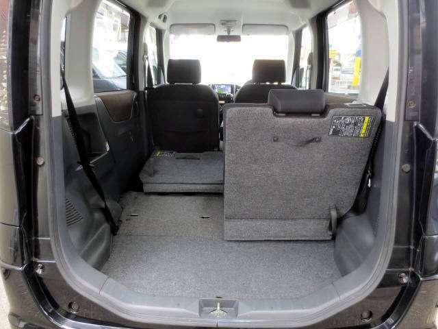 3人乗車でも積載スペースはそれなりに広~いです!!