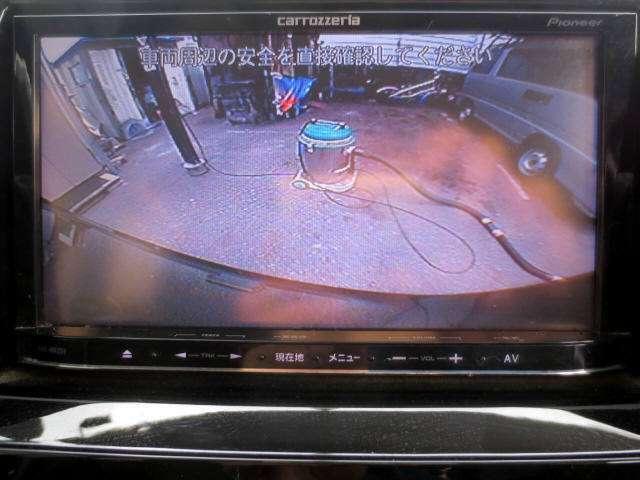 SDナビ・フルセグTV・CD/DVD・USB・AUX・ブルートゥース・ETC・バックカメラ・装備充実の禁煙車です(^o^)/