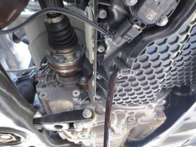 Bプラン画像:エンジンオイルの交換は何時でもOKです! オイルフィルターも完備しております(^o^)/