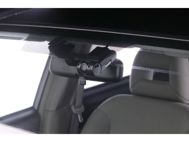 Aプラン画像:今話題の前後ドライブレコーダーが付いてるパックです☆もしもの事故でもしっかり記録!ドライブレコーダーで安心したカーライフを!!詳しくはスタッフまで♪
