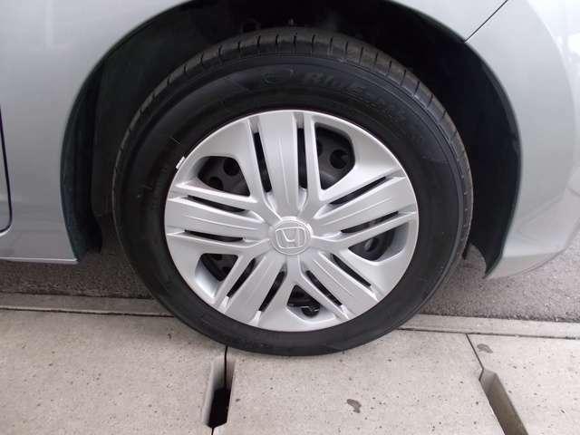 【乗用車タイヤ】「走る・曲がる・止まる」という基本性能の高さはもちろん、優れた省燃費性能や快適な乗り心地などを実現する、さまざまなタイプのタイヤをラインアップしています。