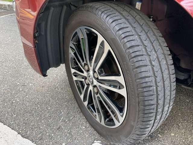 タイヤの残り溝は前輪4.5右後ろ5.5 左後3.5です。