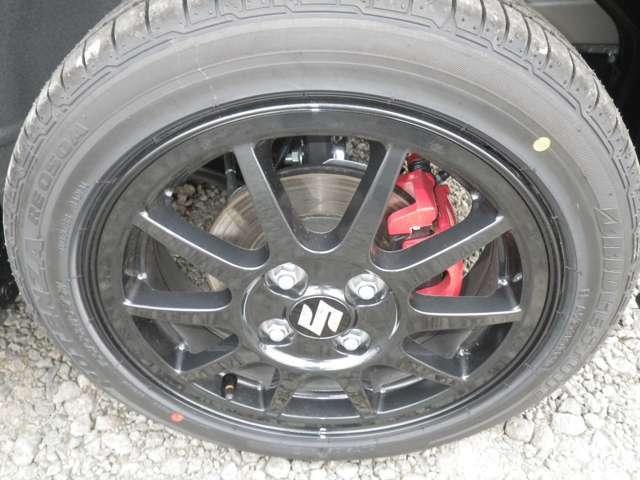 有料ボディカラーのスチールシルバーメタリック・3型ワークス5速マニュアル4WD・IPFポジションバルブLED・ルームランプLED・ハセプロマジカルカーボンにてドアアームレスト部施工・ケンウッド地Dフルセグナビ付!