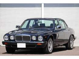 1992y ダイムラー ダブルシックス 正規ディーラー車が入庫致しました。