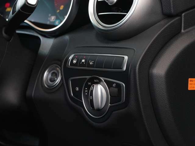 メルセデスベンツジャパン正規販売店ヤナセによる厳しいチェックと整備を経て、メーカー指定点検基準をクリアした、高品質なメーカー認定中古車を多数取り揃えております。