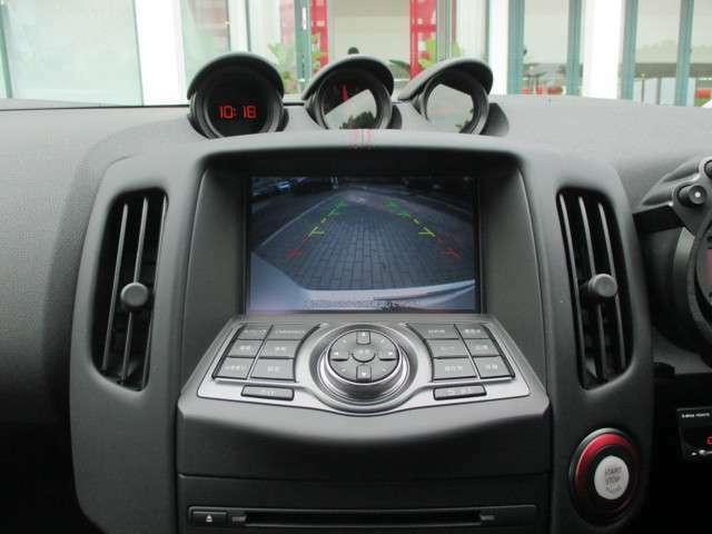 バックビューモニター(カラー・車幅/距離/予想進路線表示機能付) ボイスコマンド Bluetooth対応 DVD/CD再生機能 ミュージックボックス USB接続 iPod対応 外部入力端子 MP3/WMA再生機能 AM/FMラジオ