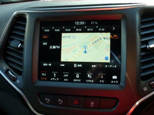 8.4インチタッチパネルモニター。落ち着いて操作出来るので、運転に集中しながら移動時間を活用できます。