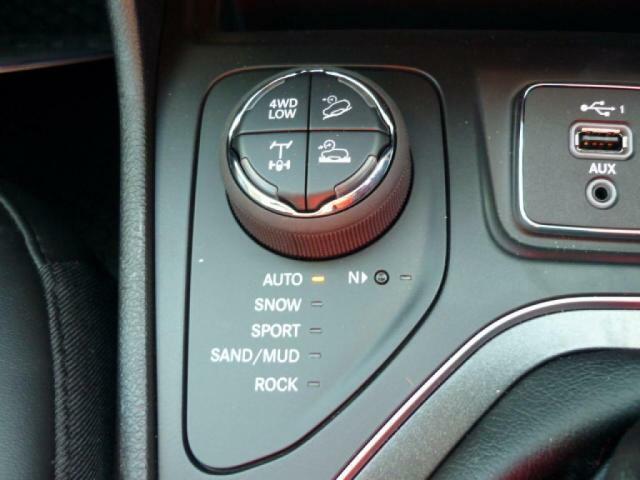 さまざまな路面状況に適した走行モードを選択できるトラクションコントロールシステム。