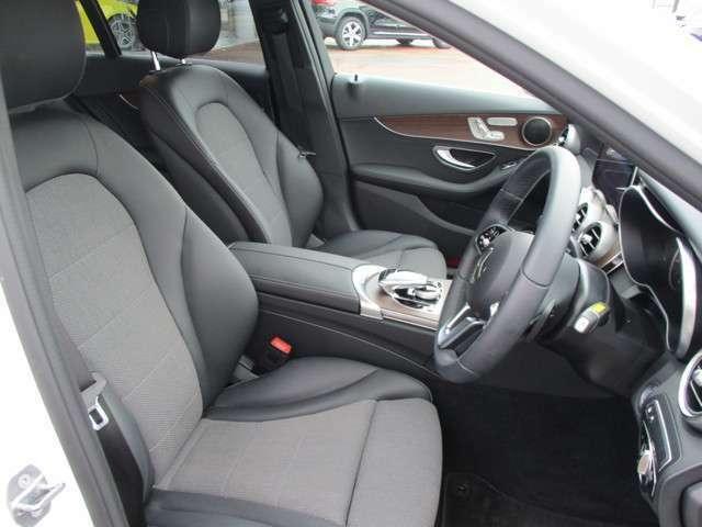 ●長時間の運転でも疲れにくい、座り心地のよい座席シートです☆