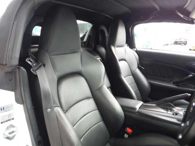 ワンオーナー車・最終モデル・ナビ・黒革シート・ETC・HIDライト・キーレス・17アルミ・電動オープン