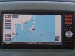 純正メモリーナビ(MM114D-W)付だから初めての場所へのお出かけも安心。地デジTVが見られます。