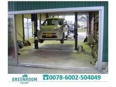 ◆自社整備工場はリフト完備。2級整備士、ホンダ整備上位資格、自動車検査員保持者が安心のカーライフをお届けします!◆