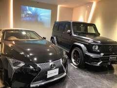 こだわった屋内展示場には、あなたの心をくすぐるお車を展示しています!