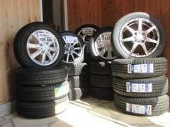 タイヤ、アルミの販売はもちろん、出張買取も致しております。買取専用ダイヤル070-2428-3636
