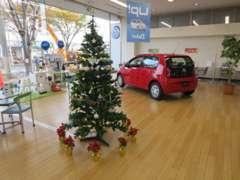 店内には新車も展示。アナタに合った1台が決まるはず。